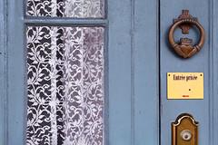 Private Entrance (emerge13) Tags: saintantoinesurrichelieu maisondrlapierrev1850 doorknobs architecturaldetails architecturalheritage doorsandwindows doors windows curtains historic lace textures saariysqualitypictures hof