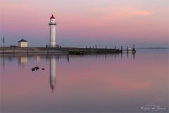 Hellevoetsluis! (karindebruin) Tags: hellevoetsluis vesting zonsondergang zuidholland reflection sunset water thenetherlands harbour lighthouse vuurtoren haven
