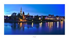 Ulm (Max Angelsburger) Tags: traveladdicttraveltheworldlovetotravellonelyplanetjustgoshootworlderlustgetoutstayoutvacationgoalstakemetheretakemetherenowsolotraveltraveldudesseemycitybeautifuldestinationscitybestviews ulm ulmermünster chathedral steeple bluehour blauestunde panorama reflections reflektionen stadtmauer bavaria bayern badenwuerttemberg badenwürttemberg germany deutschland europe april 2019