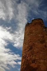 La torre y las nubes (enrique1959 -) Tags: martesdenubes martes nubes nwn burgodeosma soria castillayleon españa europa