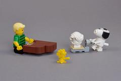 Peanuts (mijasper) Tags: lego moc minifig minifigs peanuts schroeder snoopy woodstock charlesmschulz piano grandpiano toypiano beethoven palletjack klavier kinderklavier spielzeugklavier hubwagen ameise