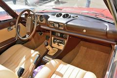 Peugeot, cabriolet 504 (France, 1975 - 1983) (Cletus Awreetus) Tags: france automobileancienne car vintage peugeot 504 cabriolet voitureancienne pininfarina voiture collection rouge bp630gc tableaudebord dashboard volant cadran levier intérieurdevoiture