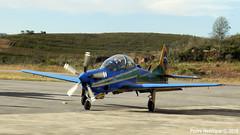 Acionamento  da aeronave número 3 da esquadrilha da fumaça (Peedro Fox) Tags: coolpix p500 nikon acrobaticplane brazilianairforce forçaaéreabrasileira fab eda esquadrãodedemonstraçãoaérea numero3 esquadrilhadafumaça barbacena epcar pt6 prattwitney acionamento supertucano a29