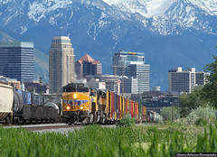 Extra from Vegas (jamesbelmont) Tags: unionpacific northyard saltlakecity utah ge es44ah skyline wasatch railroad railway train locomotive mannpx riogrande main3 rosepark