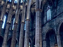 2740  Detalle de Santa María del Mar, Barcelona (Ricard Gabarrús) Tags: iglesia capilla catedral edificio arquitectura columnas barcelona monumento ricardgabarrus olympus ricgaba