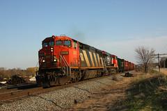 CN 2401 Pewaukee, WI (wisconsinrails) Tags: cn canadiannational duplainville pewaukee wisconsin