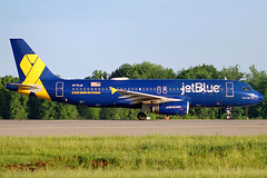 jetBlue A320 Honoring Our Veterans at Cleveland (chrisjake1) Tags: cle kcle cleveland hopkins jetblue n775jb honoringourveterans a320 airbus