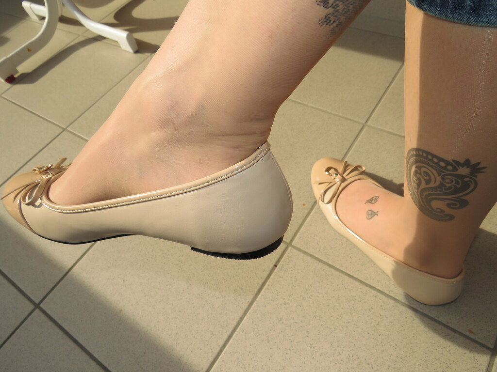 Shoe dangle candid soles so smooth
