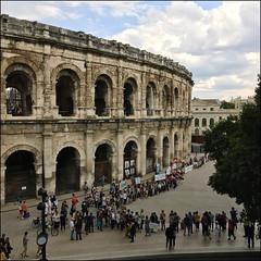 Nîmes (Christian Lagat) Tags: france gard nîmes carré square iphone téléphone phone arène arena manifestation climat démonstration climate foule crowd