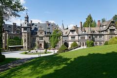 Schloss Rauischholzhausen (Rolf Majewski) Tags: rauischholzhausen park schlosspark bäume natur hessen mittelhessen deutschland germany castel