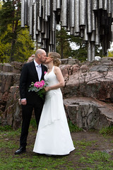 Husband and wife (jannaheli) Tags: suomi finland helsinki töölö sibeliusmonument sibeliusmonumentti architecture arkkitehtuuri kevät spring häät wedding weddingphotography nikond7200 töölönkirkko weddingcouple weddingphoto weddingdress love