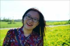 Siqi (*Kicki*) Tags: siqi woman face smile female person people portrait porträtt summer bokeh spring johannesberg johannesbergsslott gottröra sweden roslagen 50mm photowalk yellow dandelions rural countryside happy
