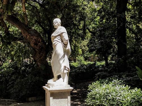 Pensar: peligro de muerte - Sócrates en el Jardín de Monforte - Valencia