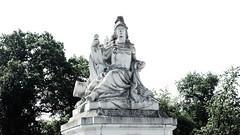 Minerva (1elf12) Tags: statue minerva tor brühl germany deutschland welterbe unesco park gate promenadentor