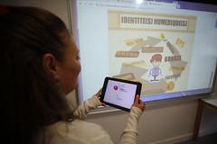 Tablette (Département des Yvelines) Tags: collège tablette ipad numérique collégienstablette collégiensnumérique collégienséducation