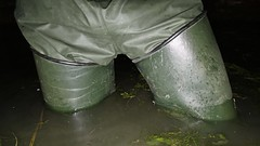 Le Chameau at Mucking Flats (essex_mud_explorer) Tags: lechameau delta waders boots thigh thighboots thighwaders hip rubberwaders rubberboots watstiefel cuissardes rubberlaarzen gummistiefel mudflats muckingflats estuary essex stanfordlehope estuarymud tidal waterproof water wet wading