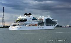 Seabourn Ovation (Nassau) (© Freddie) Tags: riverthames thames kent greenhithe essex thurrock grays seabournovation liner cruiseliner fjroll ©freddie