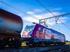 HSL Logistik 186 383 met keteltrein @ Ekeren (Antwerpen) (Avinash Chotkan) Tags: hsl logistik traxx br186 bombardier cargo trains belgium