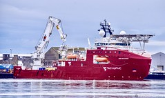 Deep Discoverer - Aberdeen Harbour Scotland - 26th May 2019 (DanoAberdeen) Tags: danoaberdeen aberdeen aberdeenscotland aberdeenharbour aberdeenshire shipspotting candid amateur 2019 offshore offshoreships tugboats quay winter wasser ecosse escotia riverdee transport oilships oilrigs psv pocraquay port abz abdn aberdeencity summer spring seafarers seaport docks footdee fittie grampian harbour haulage lifeatsea szkocja clouds cargoships vessels bluesky boats nikond750 northsea northeast maritime merchantships merchantnavy shipspotters boat workboats deepdiscoverer technipfmc technip diving subsea construction ship ships subseapipelay dp2 dp3 technipfmcfleet irmsector