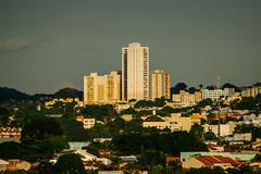 DSC_0541-1 (gypsynuvem) Tags: goiânia goiás prédios prédio edifício edifícios city cidade nuvens sky céu sunny sunlight sunset urbano urban