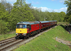 33021, Cheddleton, 4 May 2019 (Mr Joseph Bloggs) Tags: cheddleton leekbrook froghall train treno bahn railway railroad churnet valley 33 33021 brcw crompton vlak zug