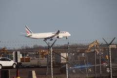 Air France 787-9 (F-HRBA) Landing at Detroit Metro Airport (Michigan) - Friday April 12th, 2019 (cseeman) Tags: dtw detroitmetro airports detroitmetroairport detroit michigan deltaairlines dtw04122019 airplanes passengeraircraft aircraft airlines afternoon dtwnorthcellphonelot planewatching planewatchingdtw arrivals arriving landing airfrance 787 7879 dreamliner airfrance787 airfrance7879 fhrba