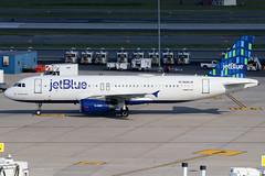 "N585JB   Airbus A320-232   jetBlue Airways ""I Got Blue Babe"" (cv880m) Tags: newyork jfk kjfk kennedy johnfkennedy aviation airliner airline aircraft airplane jetliner airport n585jb airbus a320 320200 320232 jetblue jbu jetblueairways igotbluebabe highrise"