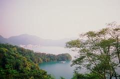 (hhnguyen88) Tags: olympusom1 fujichromevelvia50 velvia50 taiwan filmphotography sunmoonlake