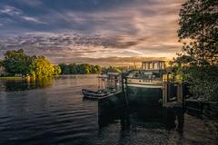 DSC05292 (karstenlützen) Tags: germany berlin treptowerpark riverside waterfront goldenhour jetty