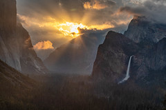 Morning Comes to Yosemite (Kirk Lougheed) Tags: bridalveil bridalveilfalls california cathedralrocks elcap elcapitan tunnelview usa unitedstates yosemite yosemitenationalpark yosemitevalley cloud landscape nationalpark outdoor park sky spring sunrise water waterfall