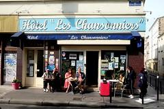 PARIS - HOTEL LES CHANSONNIERS (Maikel L.) Tags: europa europe frankreich france francia paris ménilmontant hotel leschansonniers streetlife street boulevarddeménilmontant accomodation belleville neighborhood