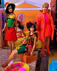 HAIR FAIR BARBIE (ModBarbieLover) Tags: 1967 hairfair barbie mattel doll mod outfits fashion house print colour blonde brunette