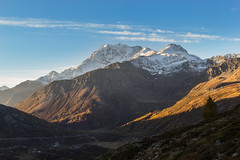 Fletschhorn acceso (cesco.pb) Tags: simplonpass passodelsempione fletschhorn switzerland svizzera alps alpi dawn alba canon canoneos60d tamronsp1750mmf28xrdiiivcld montagna mountains