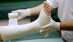 Gãy xương chân bao lâu thì đi lại được? (dieuthanhtran63) Tags: viknews gãychânbaolâuđiđược