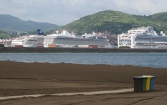 Mañana de barcos turísticos (eitb.eus) Tags: eitbcom 2033 g1 actualidad bizkaia getxo marisacaballerogodoy