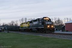 LV-1 @ Dewart, PA (Dan A. Davis) Tags: lycomingvalleyrailroad northshorerailroad railroad freighttrain train locomotive pennsylvania montgomery dewart pa gp382 gp35r lvrr nshr
