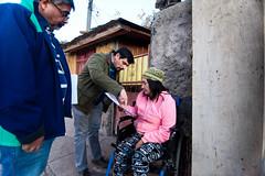 Entrega de compromisos en la población Sara Gajardo (Municipalidad de Cerro Navia) Tags: entrega de compromisos en la población sara gajardo alcaldeenterreno maurotamayo cerronaviaestacambiando cerronaviamerecemas