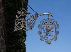 Mittelfranken - Herzogenaurach (Helmut44) Tags: bayern franken mittelfranken landkreiserlangen herzogenaurach altstadt hausschild schild stadtwappen fehnturm