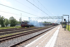 SMMR 2225 vertrekt uit uitgeest (vos.nathan) Tags: smmr stichting museum materieel railion 2225 ns nederlandse spoorwegen 2200 uitgeest utg