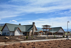 Siskiyou Rest Area and Welcome Center (OregonDOT) Tags: oregondot oregon ashland i5 safetyrestarea siskiyouwelcomecenter cascadia bluesky lookout building landscape