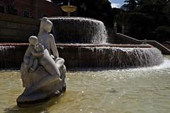 Indrets.....Lugares. (2) (AviAntonio) Tags: brollador escultura aigua font fuente agua surtidor barcelona
