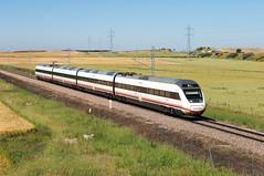 Renfe S120 | Moriscos (Fábio-Pires) Tags: spain renfe s120 renfes120 moriscos alvia caf alstom atprd passageiros passenger electric eléctrica tracçãoeléctrica automotora railcar commuterunit