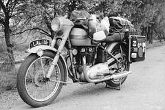 Moto ancienne, Triumph 6T Thunderbird. (stéphanehébert) Tags: apx 100 agfa moto pentax z1 silverfast dxo triumph 6t thunderbird