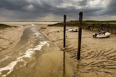 Waarde (Omroep Zeeland) Tags: westerschelde waarde slik wolken wolkenlucht vissersbootjes getijdenhaventje eb gemaal uitstroom lozen lozing zeeland nederland