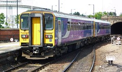 Northern Dogboxes (The Walsall Spotter) Tags: northern rail sheffield railway station class153 sprinter dmu dogbox 153352 153350 networkrail british railways uk multipleunit