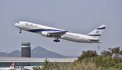 Boeing 767-300ER I 4X-EAR I El Al (Gustavo H. Braga) Tags: aviation airplanes airport aviação aviacao aviao aeronaves aeroporto boeing b767 elal barcelona spain avgeek photo photography takeoff