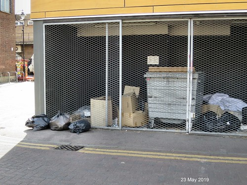 23 May 2019 - More rubbish dumped at the rear of Haringey Law Centre