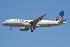 N495UA (LAXSPOTTER97) Tags: united airlines airbus a320 a320200 n495ua cn 1842 aviation airport airplane kpdx