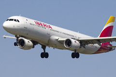 EC-HUH | Iberia | Airbus A321-211 | CN 1021 | Built 1999 | BCN/LEBL 28/03/2017 | ex EC-HAC (Mick Planespotter) Tags: aircraft airport nik sharpenerpro3 2017 elprat echuh iberia airbus a321211 1021 1999 bcn lebl 28032017 echac a321 barcelona