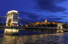 Chain Bridge at twilight (Lisa Roeder) Tags: